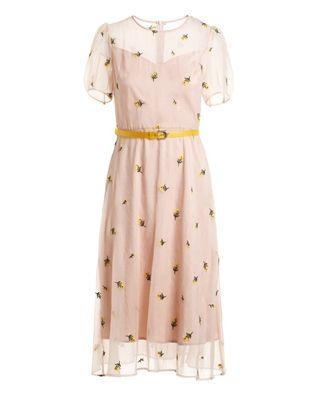 绣花腰带连衣裙